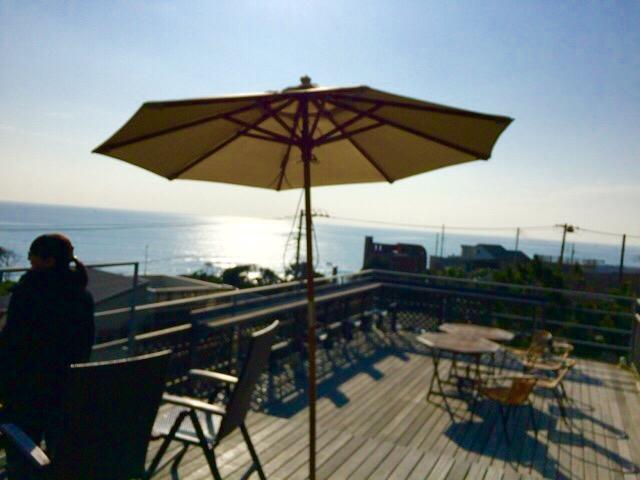 海菜寺(うなじ) 稲村ヶ崎の海が見える絶景テラスの隠れ家レストラン